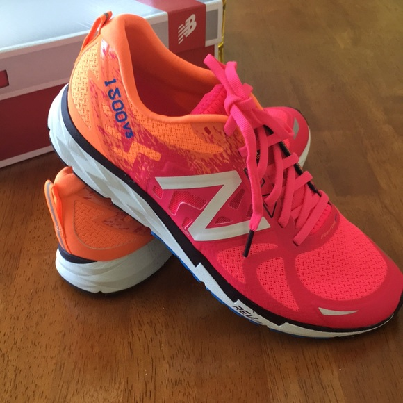 new product 40a2e d1c7d New Balance women's 1500v3 sneakers NWT